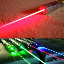 TITAN 650nm red laser pointer in action / TITAN 445nm 520nm 532nm 650nm family